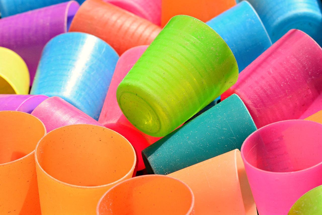Pourquoi choisir des gobelets publicitaires réutilisables ?