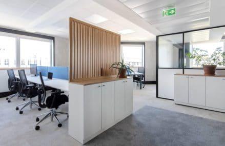 Pourquoi contacter un architecte d'intérieur pour l'aménagement en ligne de bureaux professionnels ?